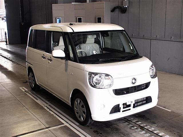 Buy used DAIHATSU MOVE CANBUS at Japanese auctions