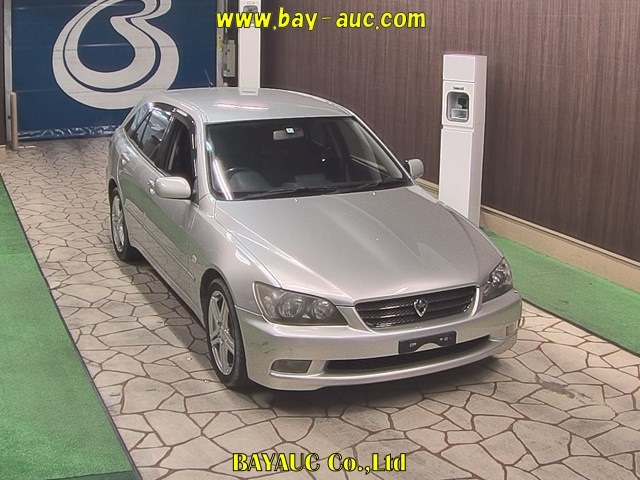Buy used TOYOTA ALTEZZA WAGON at Japanese auctions
