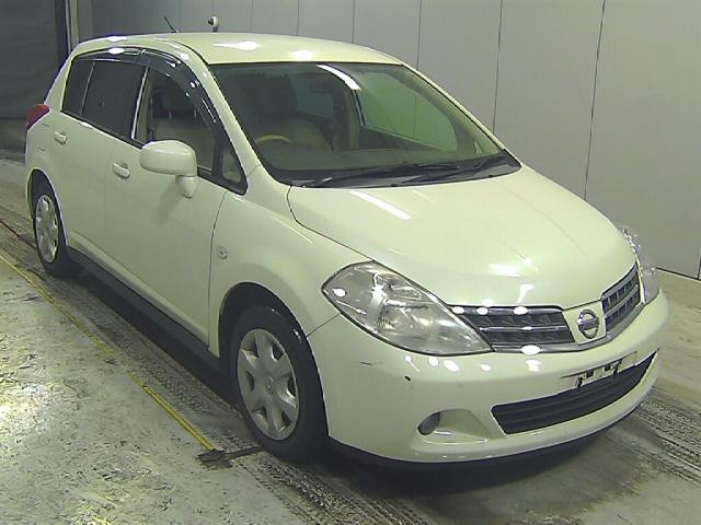 Buy used NISSAN TIIDA at Japanese auctions