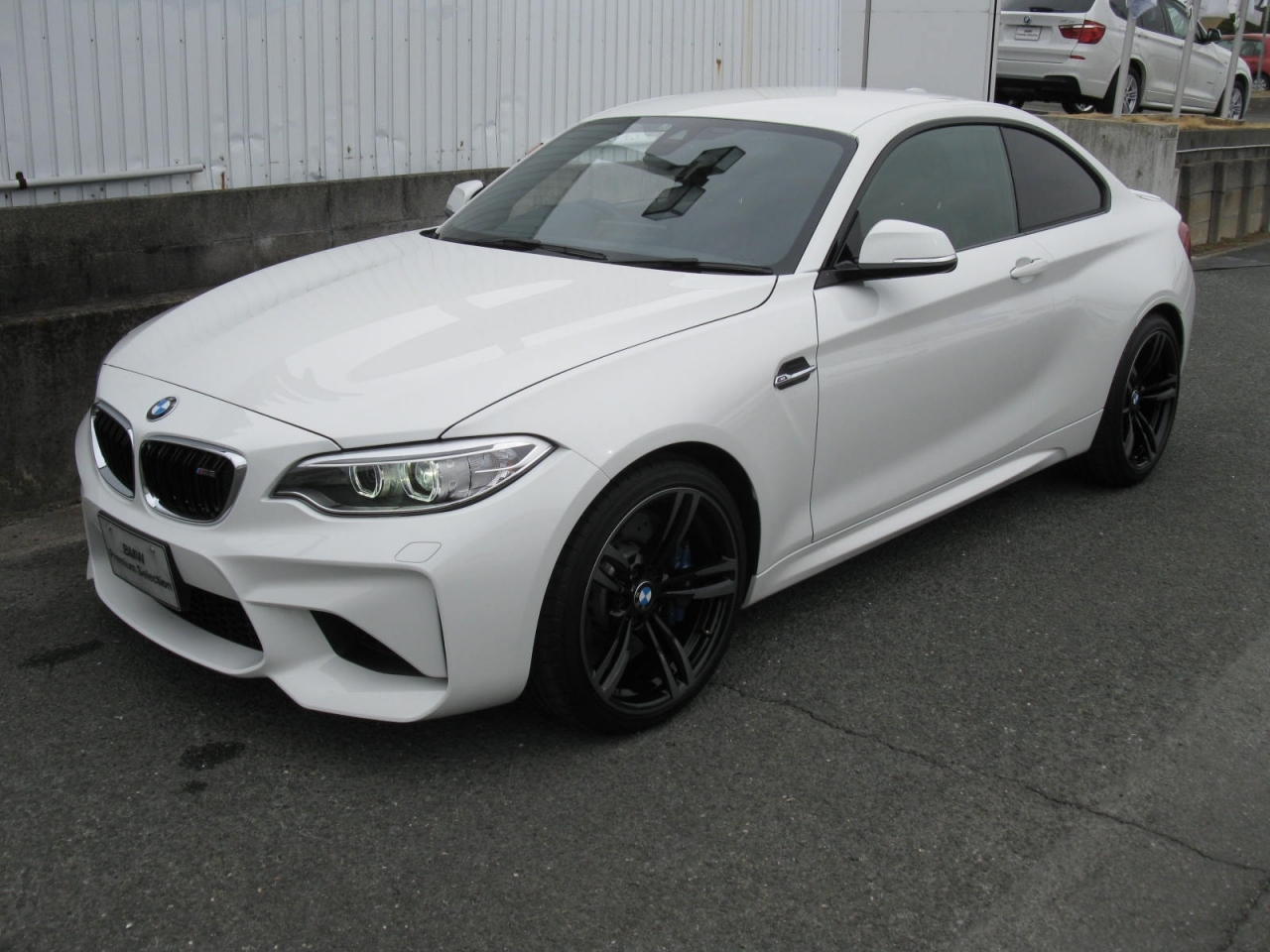 Buy used BMW M2 at Japanese auctions