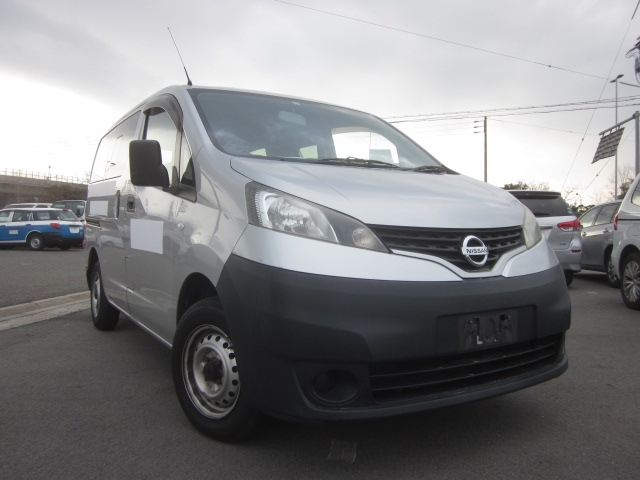 Buy used NISSAN NV200 at Japanese auctions